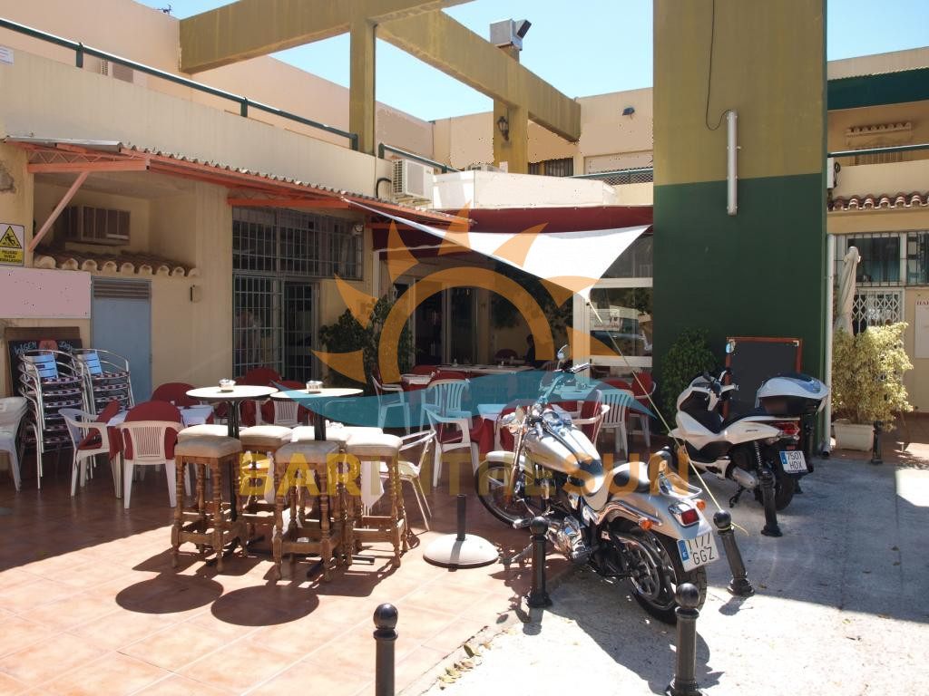 Freehold Cafe Bars in Fuengirola For Sale, Freehold Bars For Sale in Spain