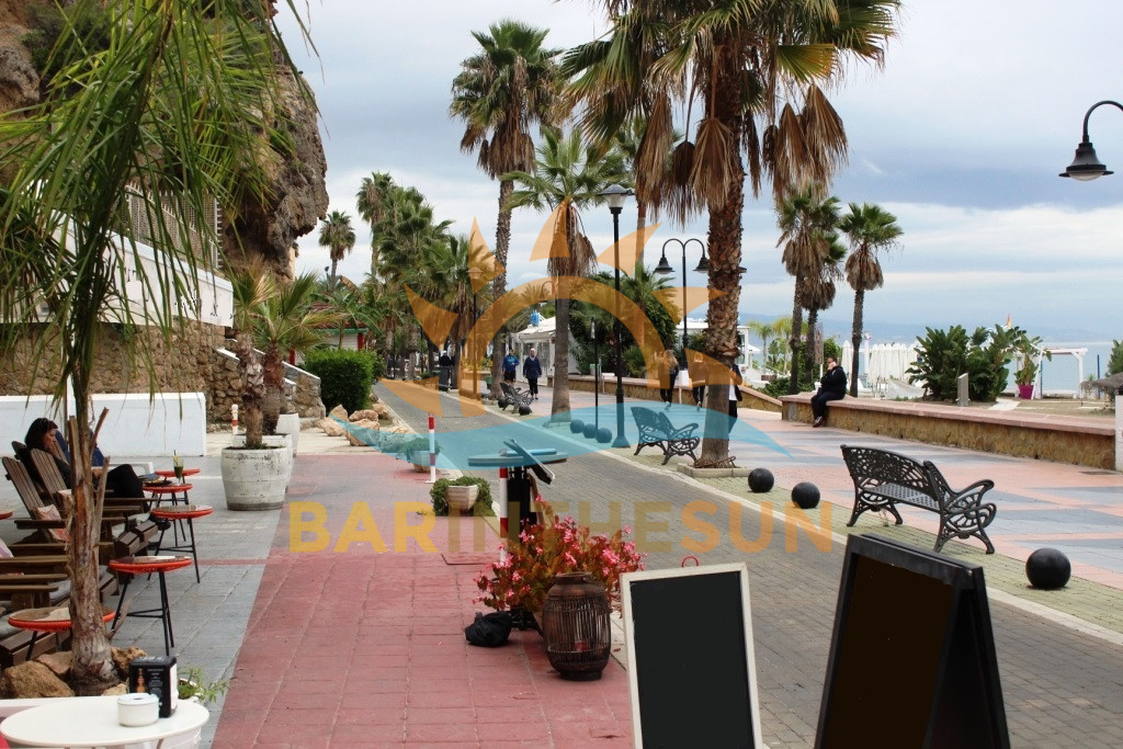 Seafront Cafe Bar Restaurants in Torremolinos For Lease, Businesses in Spain For Sale