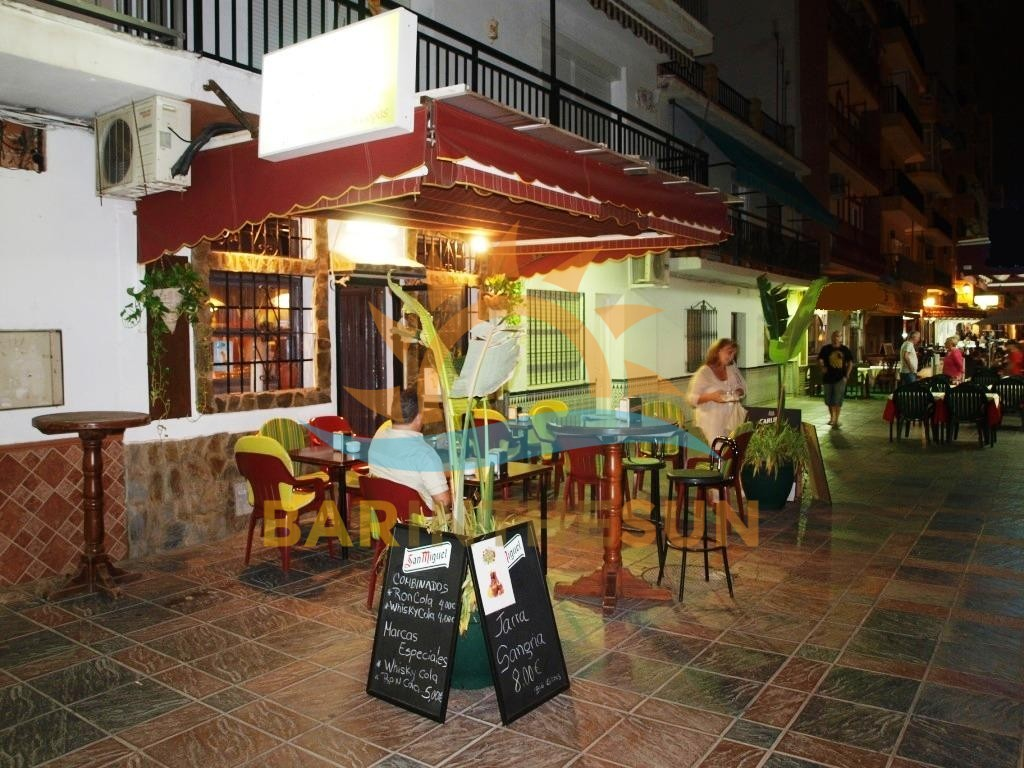 Second Line Sea Front Drinks Bar For Sale in Fuengirola Costa del Sol
