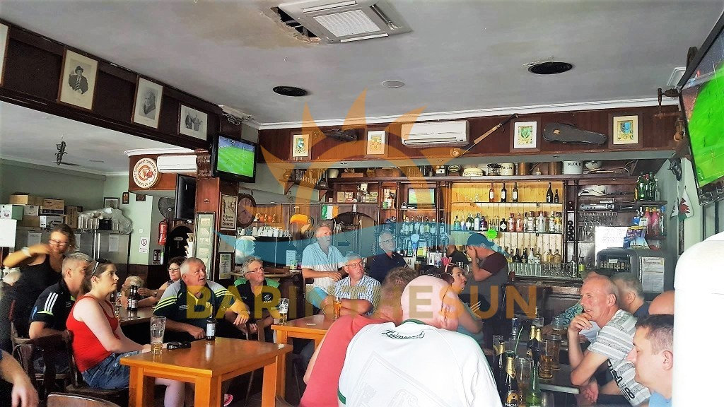 Torremolinos Irish Themed Music Cafe Bar, Cafe Music Bars For Sale in Spain