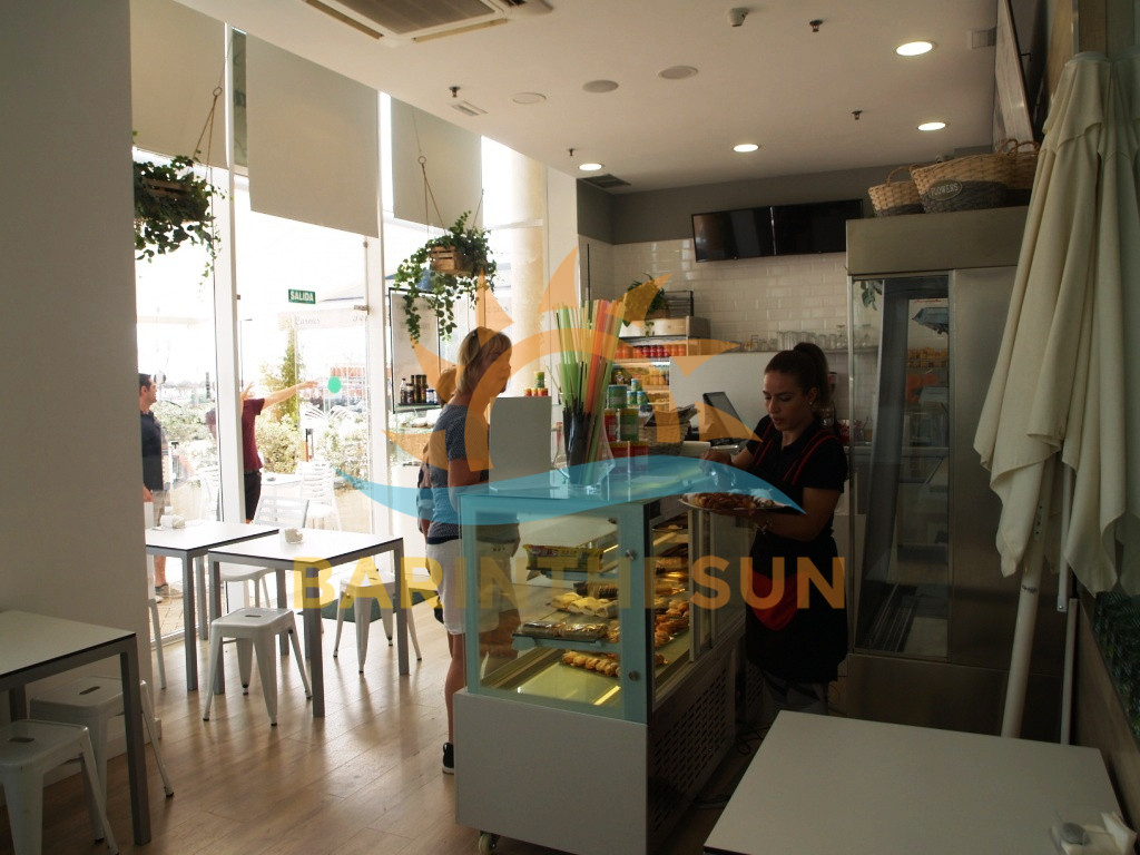 Modern Prime Located Seafront Cafeteria Bar in Fuengirola For Sale