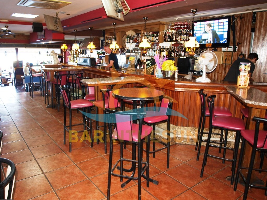 €225,000 – Cafe Bars in Fuengirola – Ref F1378