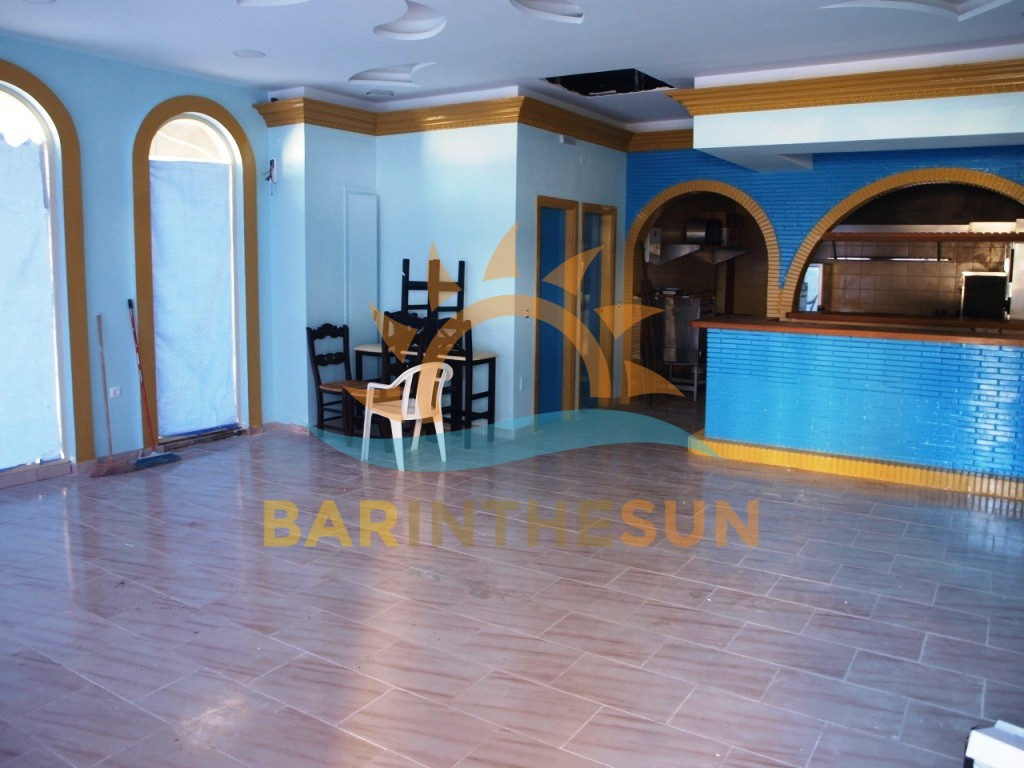 Recently Refurbished Cafe Restaurant For Sale in Fuengirola on The Costa Del Sol