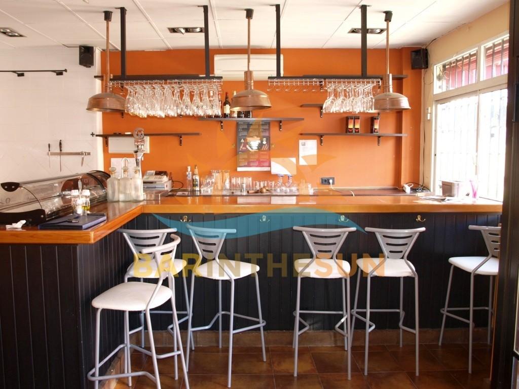 €229,950 – Drinks Bar in Fuengirola – Ref F1539