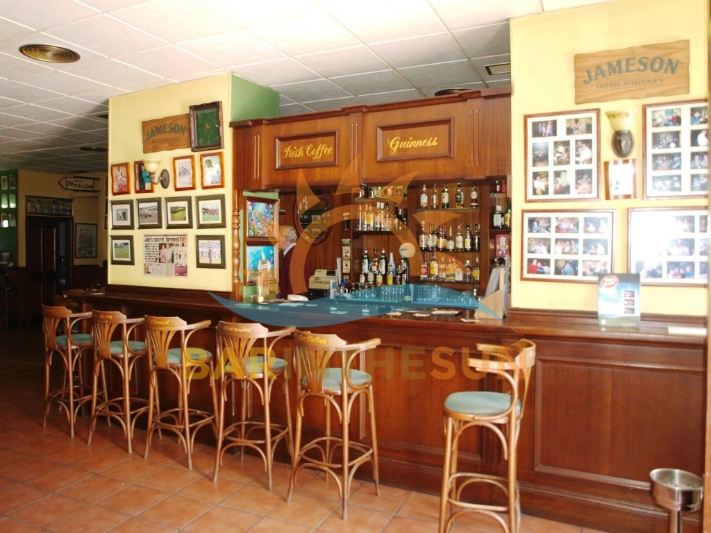 €499,950 – Drinks Bar in Fuengirola – Ref F1995