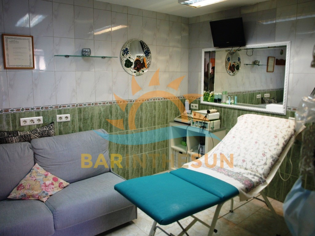 Beauty Treatment And Nail Bar Business For Sale in Fuengirola on The Costa Del Sol