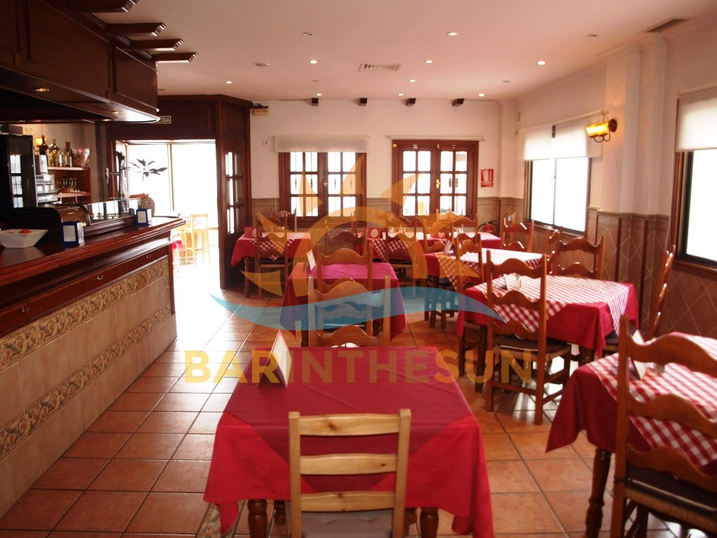 €259,950 – Cafe Bars in Fuengirola – Ref F2135