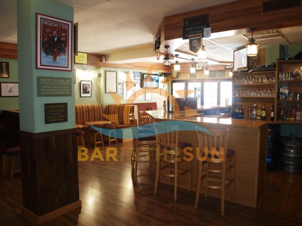 €87,950 – Drinks Bar in Fuengirola – Ref F2252