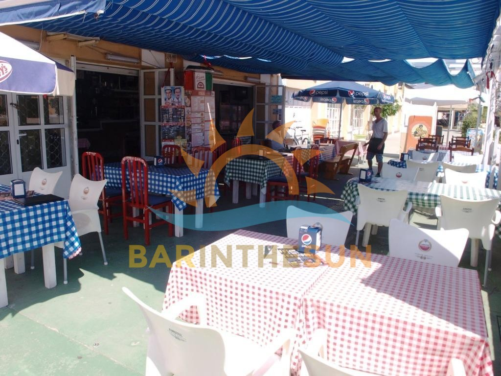 Long Established Cafe Bar For Sale in Fuegirola Marina on The Costa Del Sol