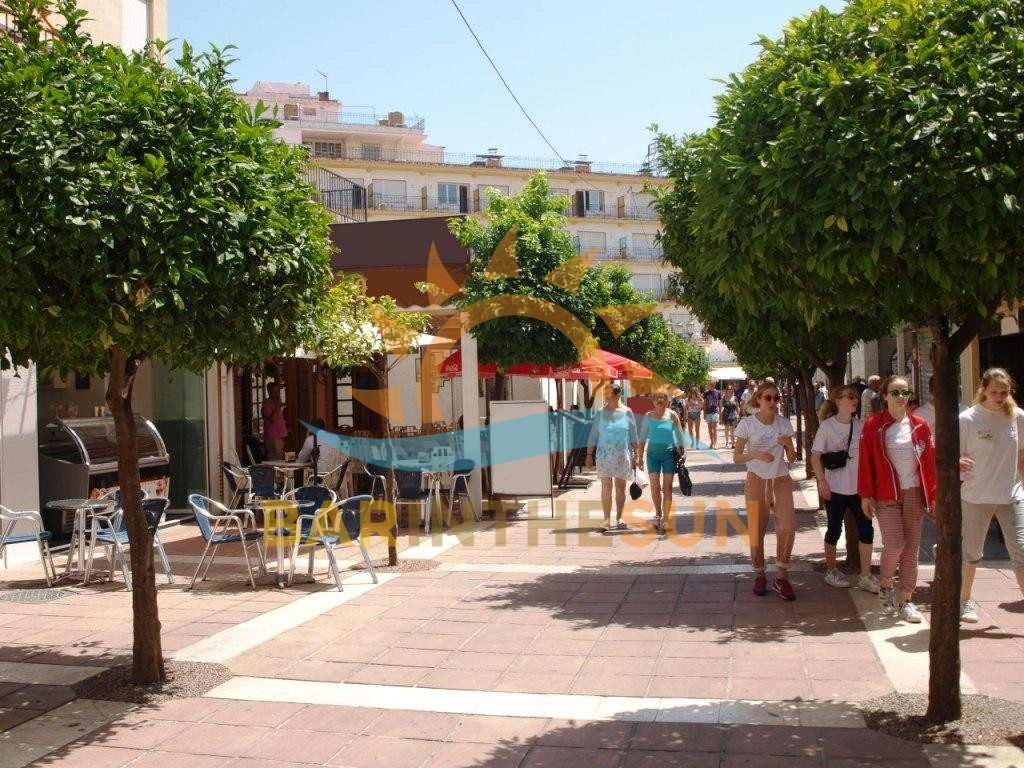 Modern Trendy Torremolinos Cafeteria Snack Bar For Sale, Bars For Sale in Spain