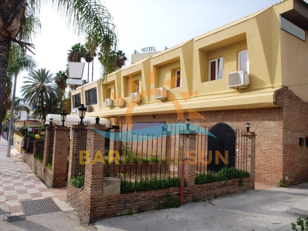 Gentlemans Club With Fifteen Bedroom Hostal For Lease In Torremolinos On the Costa Del Sol
